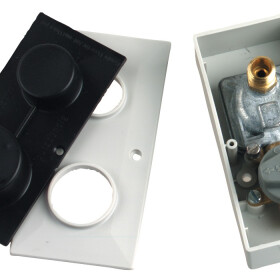 Combined socket 8 mm,quick-acting valve and pressure reducer
